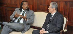 O ouvidor da Seppir, Carlos Alberto Sousa Júnior, se reuniu com o presidente do TJGO Leobino Valente Chaves