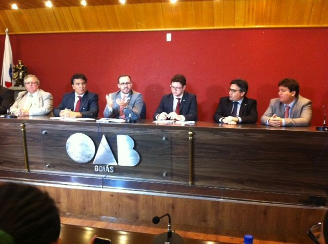 A diretoria da OAB-GO e os advogados eleitos compareceram a entrevista coletiva na tarde de hoje