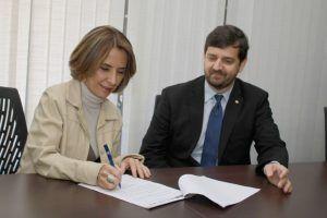 Acordo foi assinado pela secretária da educação Raquel Teixeira